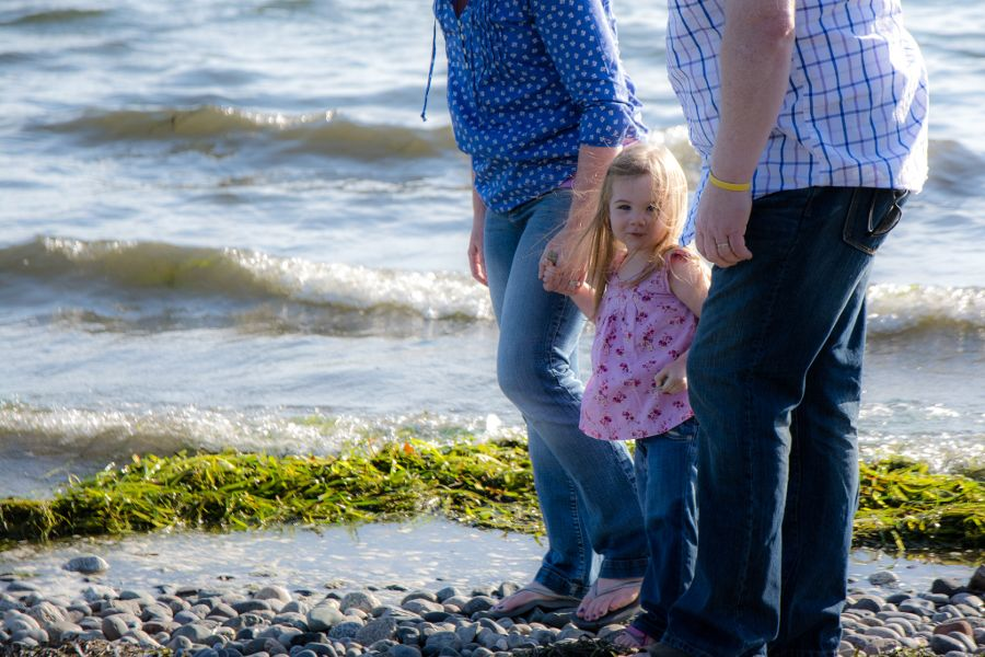 family-photoshoot-whiterock-eastbeach-01-