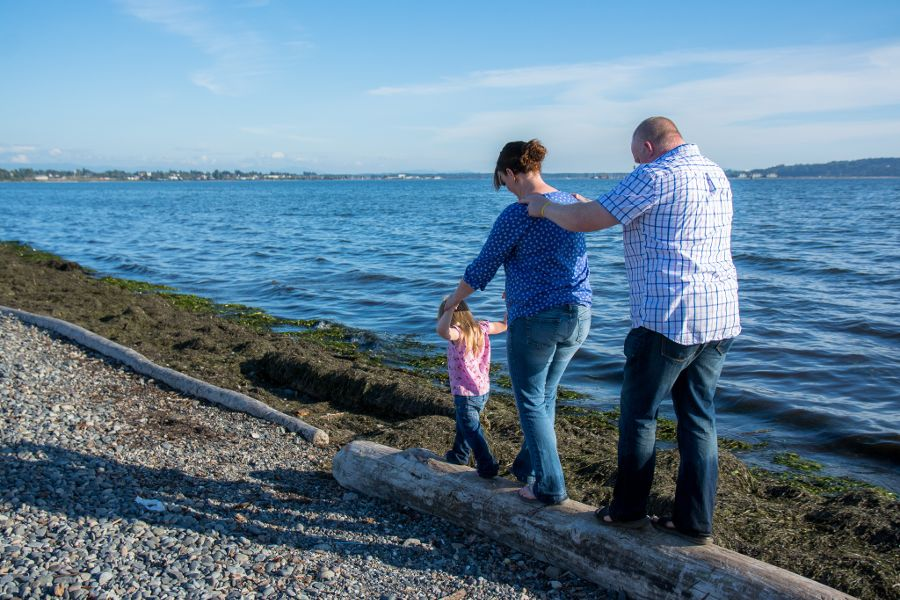 family-photoshoot-whiterock-eastbeach-03-