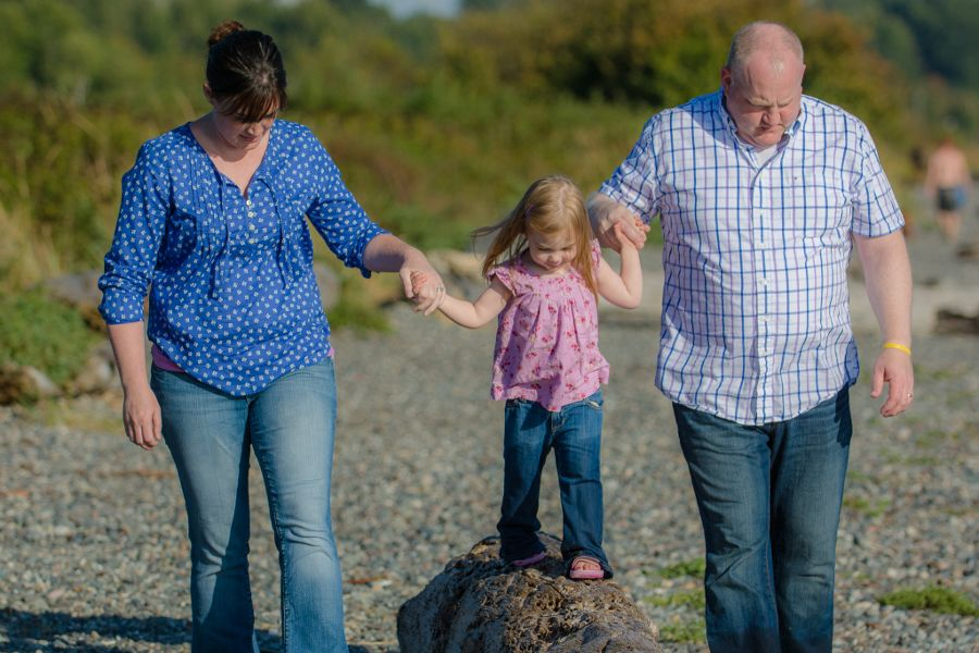 family-photoshoot-whiterock-eastbeach-05-